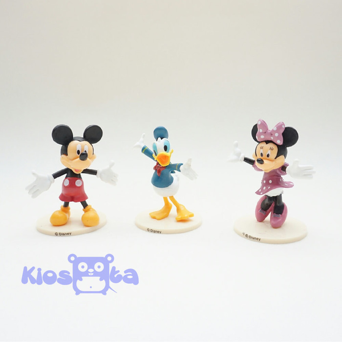 figure mickey mouse and friends